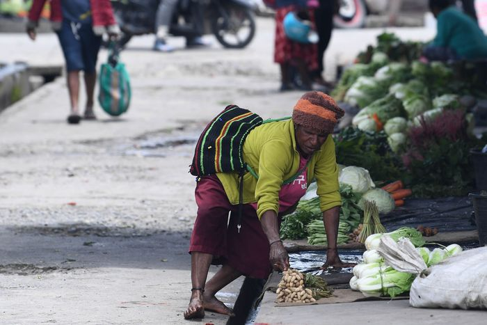 Para pedagang pun nampak mulai kembali berjualan di Pasar Tradisional Tolikelek, Kota Wamena.