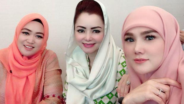 Kerja di DPR, Mulan Jameela Pakai Hijab ala Anak Madrasah