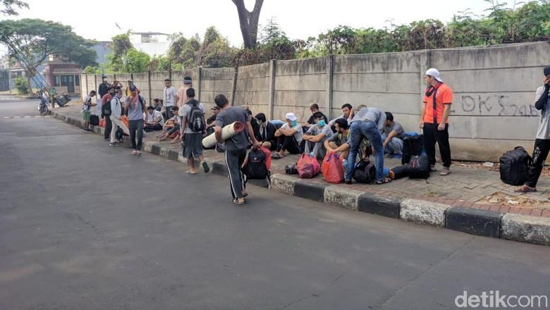 Protes UNHCR, Pencari Suaka Kalideres Bakal Long March ke Kebon Sirih