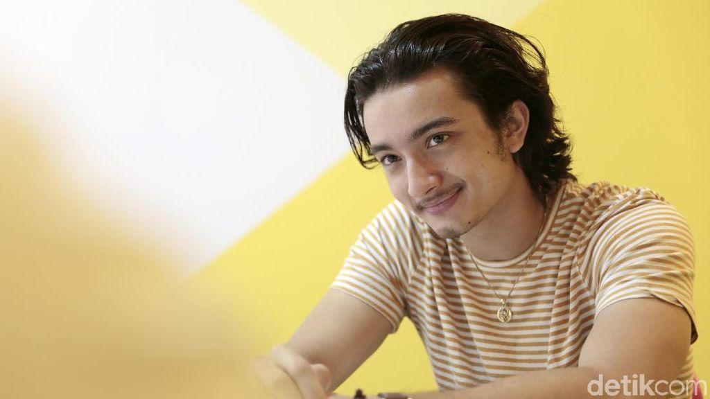 Kenalan dengan Bryan Domani, Anak Bali yang Tak Tahu Malu