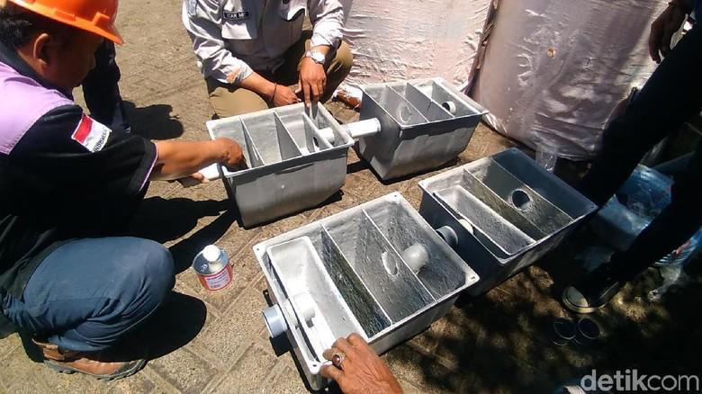 Separator Akan Dipasang pada Titik Semburan Minyak di Surabaya