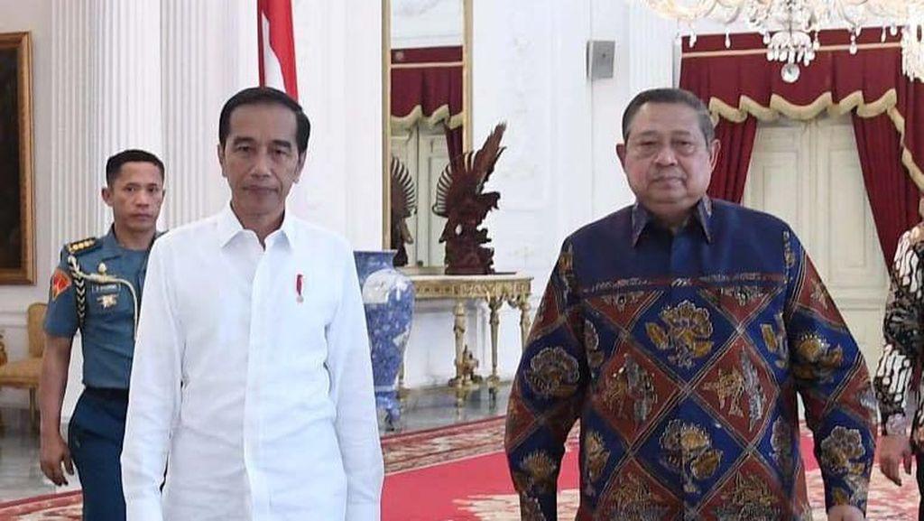 Manuver PD: Serang Prabowo Sambil Klaim Bersatu dengan Jokowi