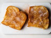 Bosan Roti Panggang? Bikin Saja 'Milk Toast' yang Gampang Ini