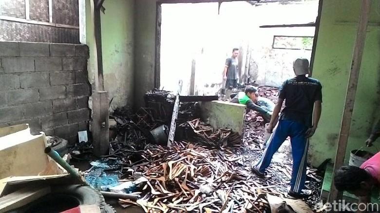 Rumah Pengusaha Mebel di Ciamis Kebakaran, Uang Tunai Rp 75 Juta Hangus