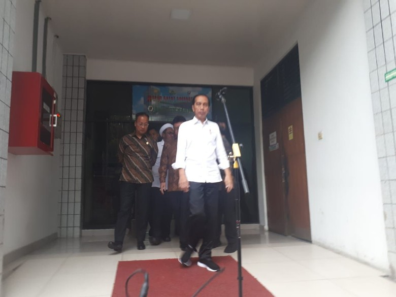 Jokowi Minta Kapolri Usut Tuntas Jaringan Teroris Penusuk Wiranto