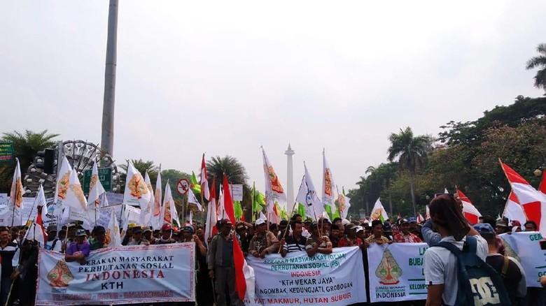 5 Ribu Personel Gabungan Amankan Demo Petani di Patung Kuda