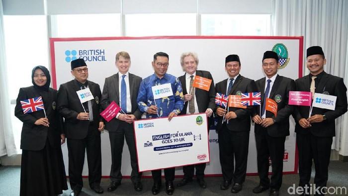 Lima ulama terpilih dari Jawa Barat akan berangkat ke Inggris untuk mengikuti program English for Ulama.  (Foto: Azizah/detikcom)