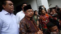 JK Jenguk Wiranto: Kaum Radikal Masih Ada dan Berkeliaran