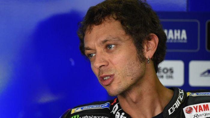 Valentino Rossi diprediksi tidak akan juara dunia lagi, karena menangi balapan saja akan sulit. (Foto: Jose Jordan / AFP)