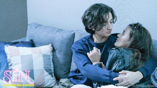 'SIN' Kisah Cinta Sepasang Remaja