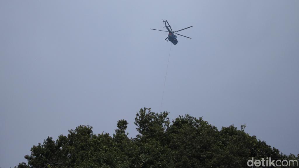Kabut di Kawah Putih, Helikopter Bom Air Geser ke Gunung Malabar