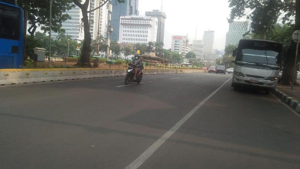 Massa Petani Bubar, Jalan Medan Merdeka Barat Dibuka Lagi