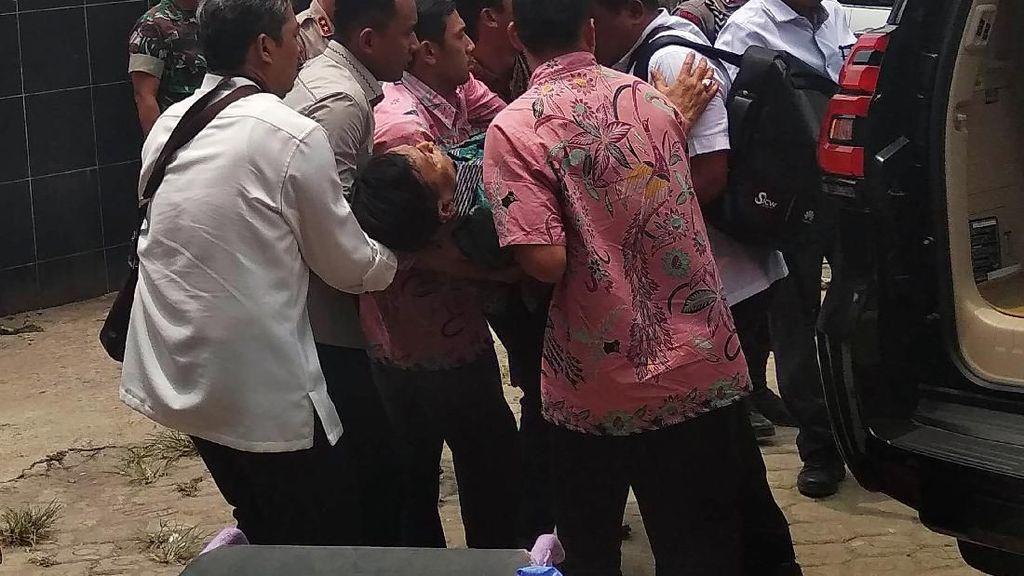 Melihat Lagi Rentetan Penusukan Wiranto di Pandeglang