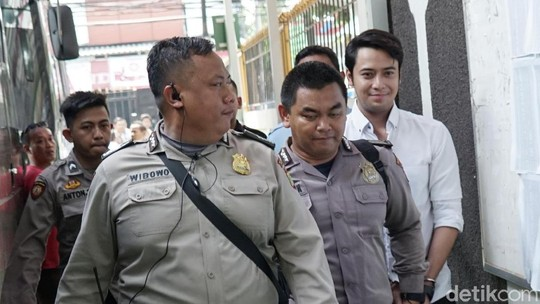 Nasib Kriss Hatta, Uang Rp 150 Juta Raib Tetap Dipenjara