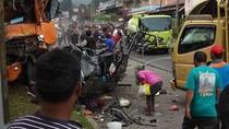 Kendaraan yang Terlibat Kecelakaan di Sumut Dipinggirkan, Lalin Lancar
