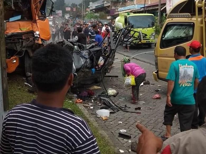 Imbas Tabrakan Beruntun di Sibolangit, Lalin Medan-Berastagi Macet