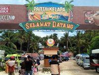 Pantai Kelapa di Tuban.