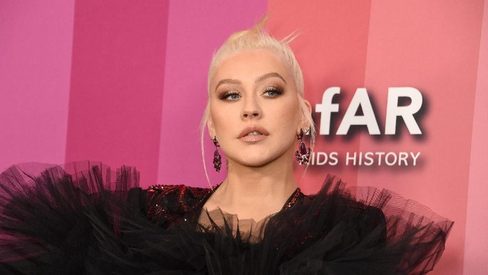 LOS ANGELES, CALIFORNIA - OCTOBER 10: Christina Aguilera attends the 2019 amfAR Gala Los Angeles at Milk Studios on October 10, 2019 in Los Angeles, California. (Photo by Gregg DeGuire/Getty Images)