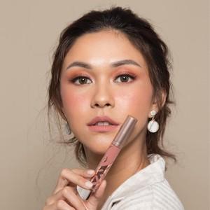15 Merek Lipstik Lokal Buatan Artis, Harga Mulai Rp 20 Ribuan (Bag. 1)