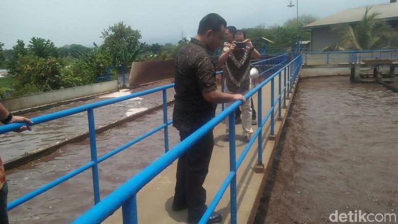 Dituding Cemari Sungai Wangi, Produsen Teh Gelas Hentikan Produksi