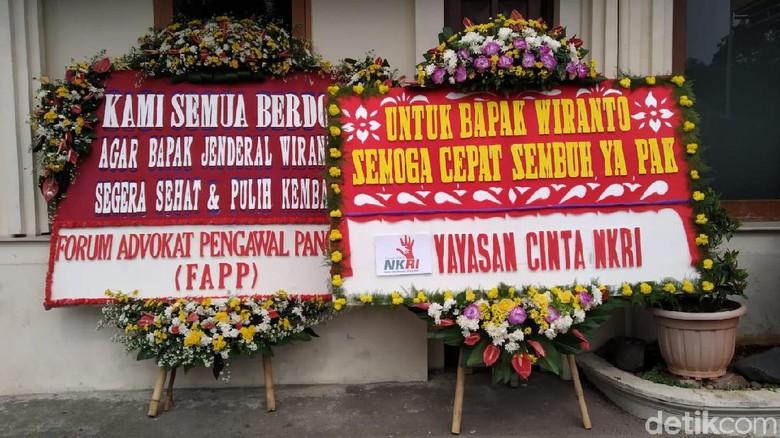 Kemenko Polhukam Dikirimi Karangan Bunga Lekas Sembuh Bapak Wiranto