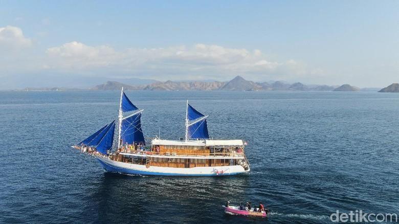 Kapal pinisi di Labuan Bajo, Manggarai Barat (Sunandi Mimo/detikcom)