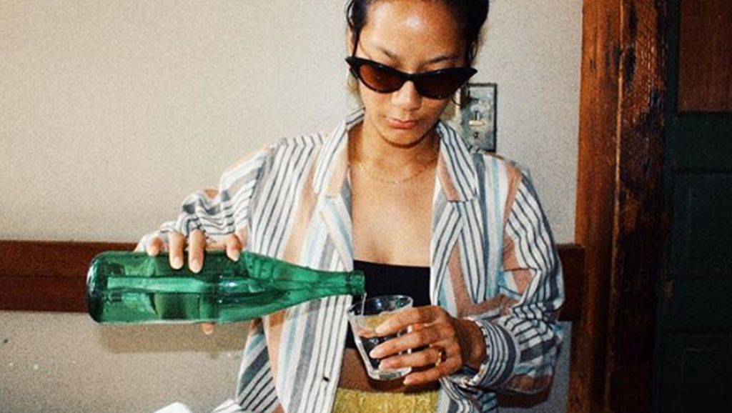 Intip Gaya Eksotis Kulineran Tara Basro, Pemeran Perempuan Tanah Jahanam