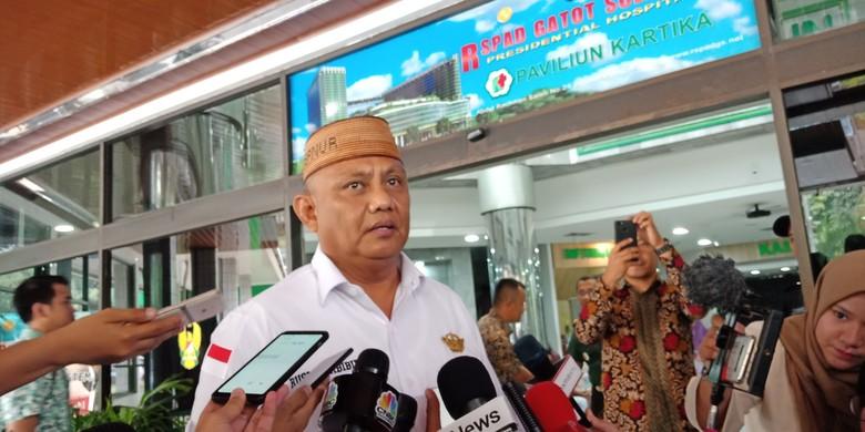 Jenguk Wiranto, Rusli Habibie: Lihat dari Kaca, Kata Dokter Sudah Sadar