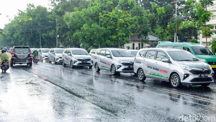 Menjajal Daihatsu Sigra Manual di Kota Termacet Indonesia