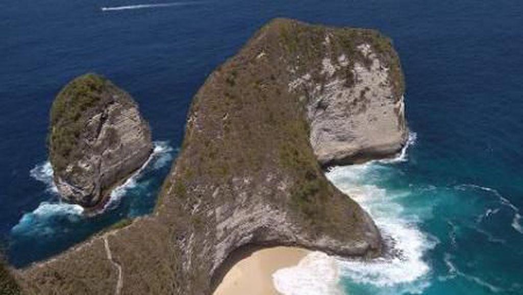 Nusa Penida dan 3 Wisata Alam Eksotisnya