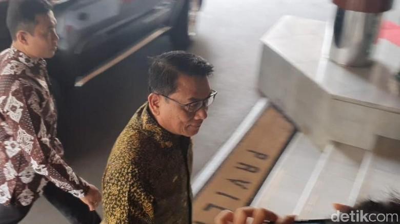 Moeldoko hingga Menhub Jenguk Wiranto di RSPAD
