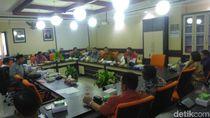 DPRD Surabaya Minta Pemkot Tunda Relokasi PKL Jalan Anggrek