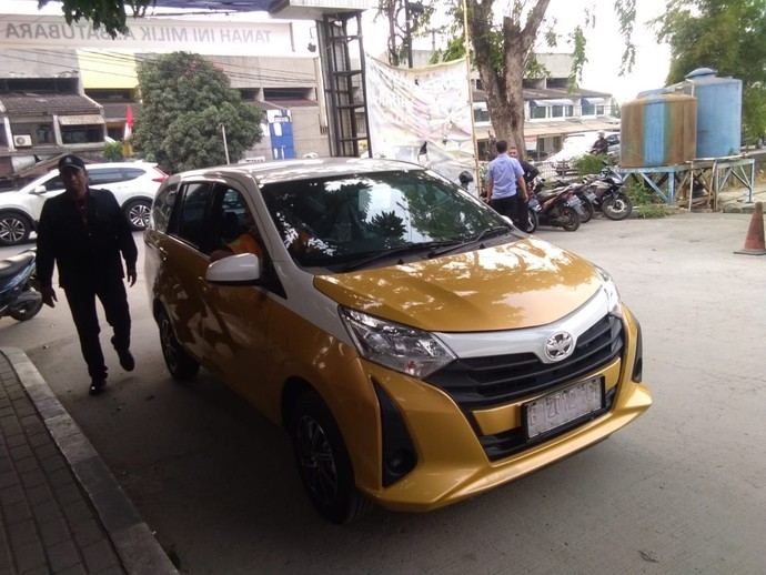 Mobil Murah Toyota Calya Jadi Taksi Express