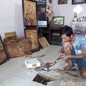 Warga Bantul Sulap Pelepah Pisang Jadi Lukisan Bernilai Tinggi