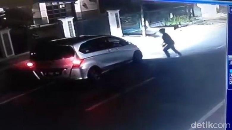 Pelaku Tabrak Lari Kakek di Bandung Barat Ditangkap