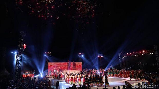 Meriahnya Pembukaan Festival F8 Makassar
