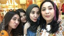 Zaskia Sungkar Foto Bareng Nagita Slavina, Udah Baikan Sama Raffi?