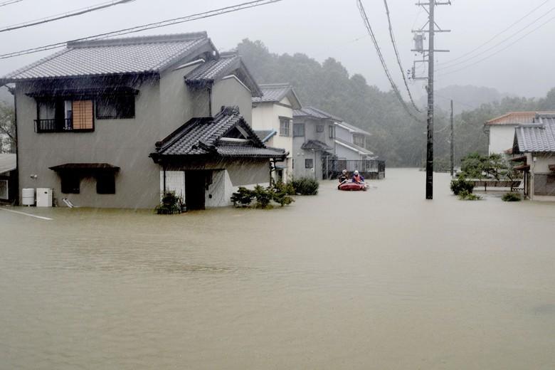 Topan Hagibis Landa Jepang, 2 Orang Tewas dan 9 Hilang