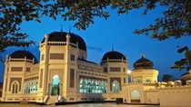 Al Mashun, Masjid Tua Antik dan Cantik di Medan