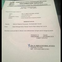 Foto hoax surat perintah Camat Ciputat yang meminta PNS perempuan memakai gamis hitam tiap hari minggu