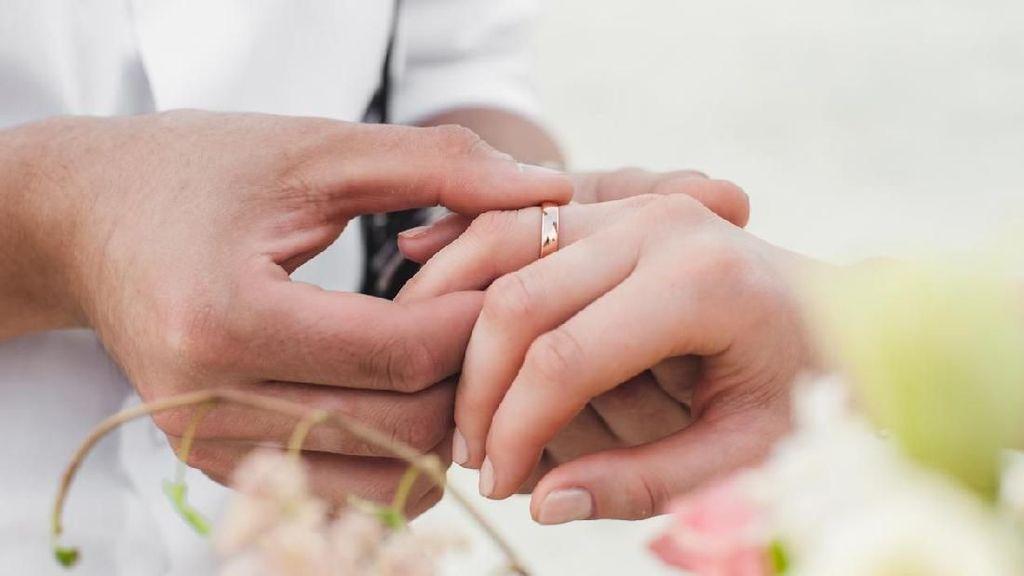 Studi Sebut Pernikahan Bikin Sehat dan Panjang Umur