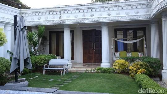 Intip Istana Cinere Milik Anang-Ashanty yang Laku Rp 35 Miliar