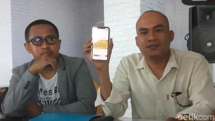 Kuasa hukum istri eks Dandim Kendari dalam jumpa pers soal status nyinyir istri Kolonel HS. (Siti/detikcom)