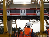 Sentuhan Asing di Proyek Kereta LRT Jabodebek