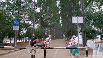 Jalur Sepeda Setengah Hati di KBT, Tiap 500 Meter Harus Lompati Portal