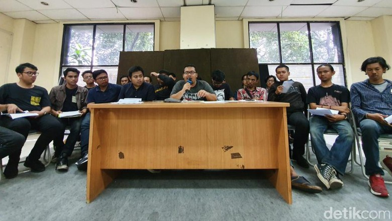 Kelompok Mahasiswa Borak Minta Jokowi Bebastugaskan Wiranto