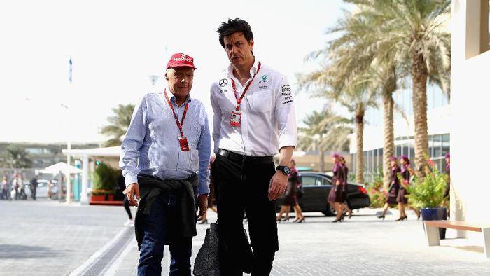Mercedes persembahkan gelar juara konstruktor Ferari di Formula 1 2019 kepada Niki Lauda.(Clive Mason/Getty Images)