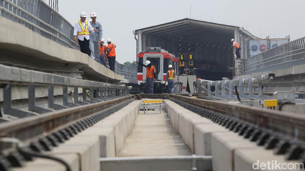 Proyek LRT Jabodebek Sudah 67%, Selesainya Kapan?