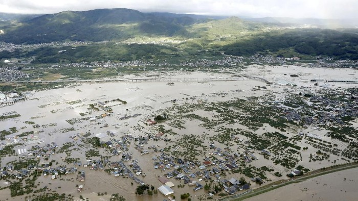 Potret udara permukiman terendam akibat topan Hagibis Jepang. (Foto: Kyodo/via REUTERS ATTENTION EDITORS)