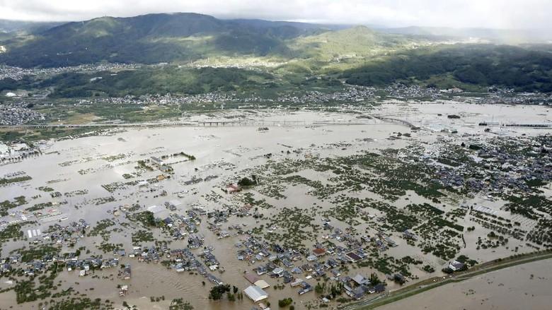BMKG: Topan Hagibis Jepang Tak Berdampak ke Cuaca Indonesia
